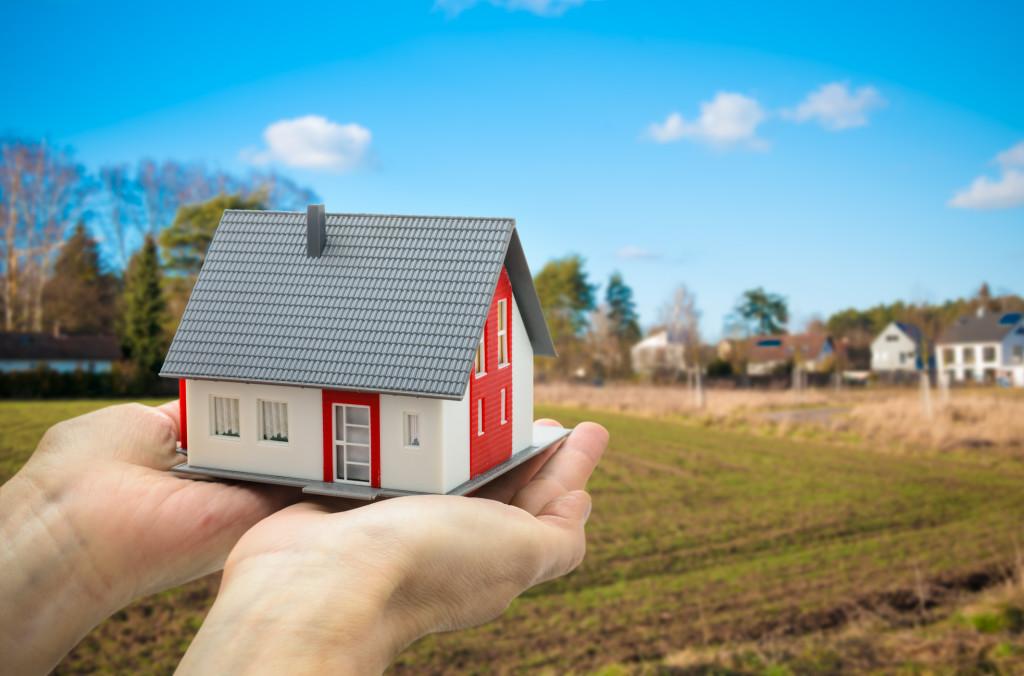 сколько стоит приватизировать дом